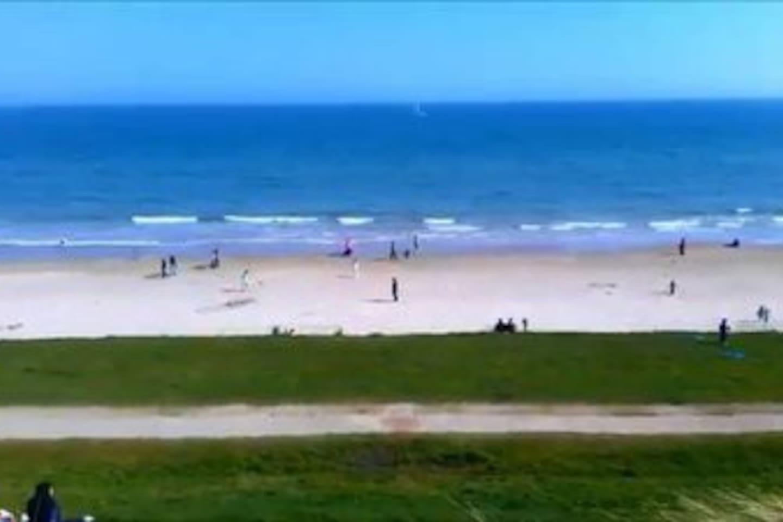 Portmarnock Beach - 10 minute walk/3 minute drive from host home.