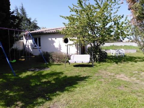 Studio dans le Jardin - Studio in the Garden
