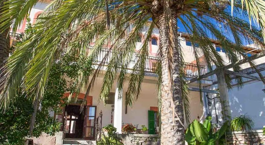 Son Colom S.17 Ensuit-room/Es Puig - Campanet - Bed & Breakfast