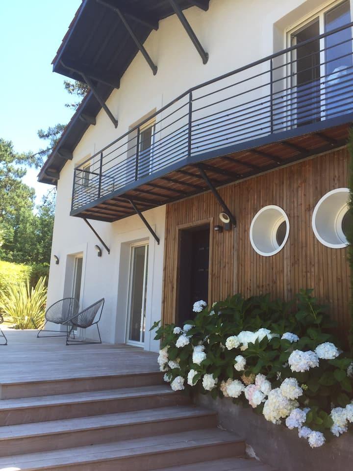 Jolie villa , vallons du ferret  Piscine chauffée