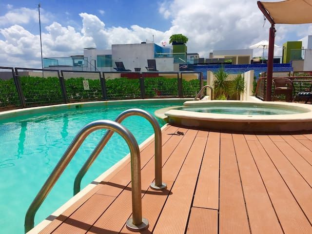 3 Corners from the beach and 1 corner from 5th av. - Cancún - Wohnung