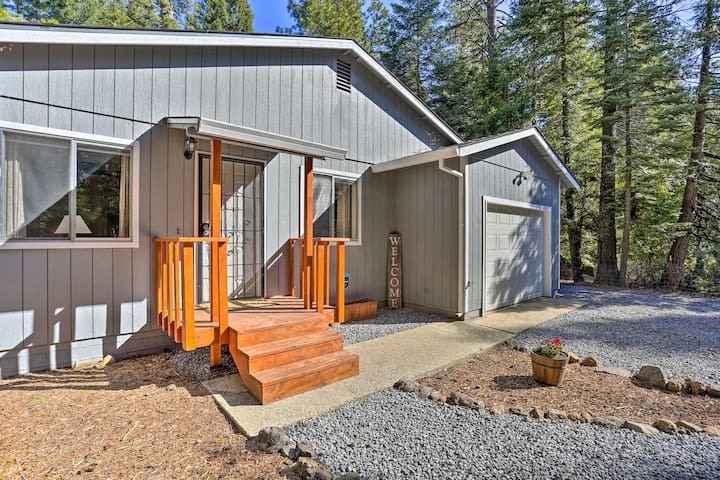 NEW! Base Camp Lassen, 13 Mi to Volcanic Natl Park