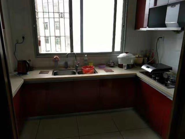 舒适三卧室,两个阳台,宽敞明亮 - 漳州市 - Flat
