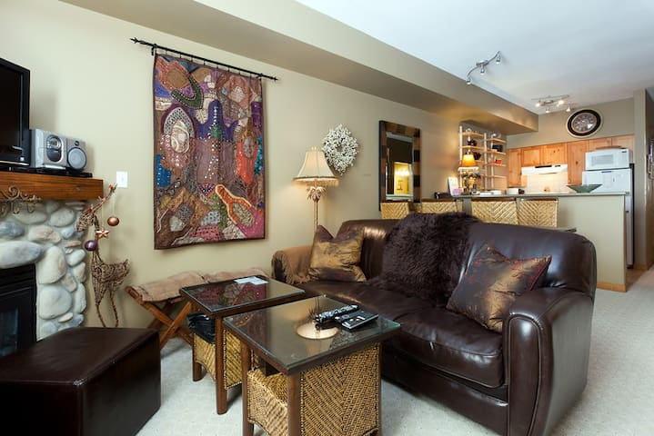 Beautiful Mountainside Condo - Vernon - Apto. en complejo residencial