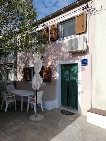 Pogana apartment Edi*** with sea view