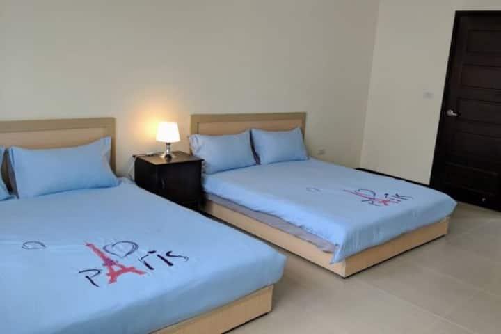 整棟包棟,5房7張床可睡14人,清雅、乾淨、衛生的民宿,請先來訊詢問有無空房,5