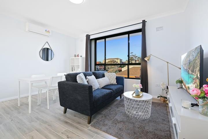 Stylish Cozy 2 Bedroom Apts at Randwick