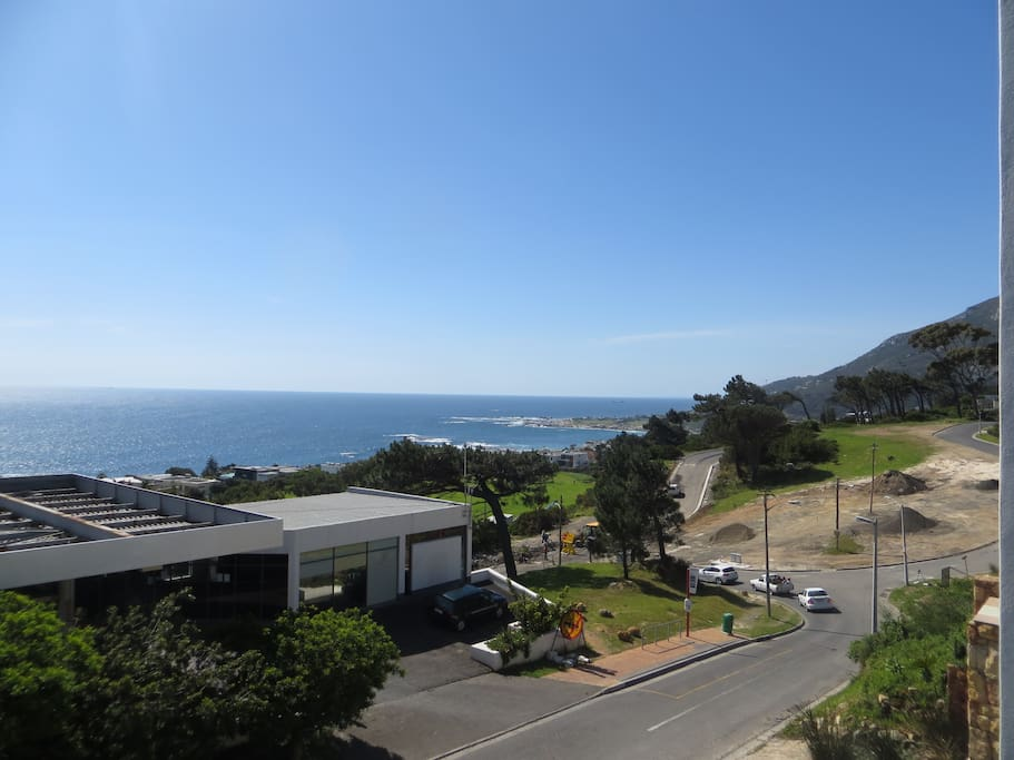 camps bay studio 2 seaviews luxury flats for rent in. Black Bedroom Furniture Sets. Home Design Ideas