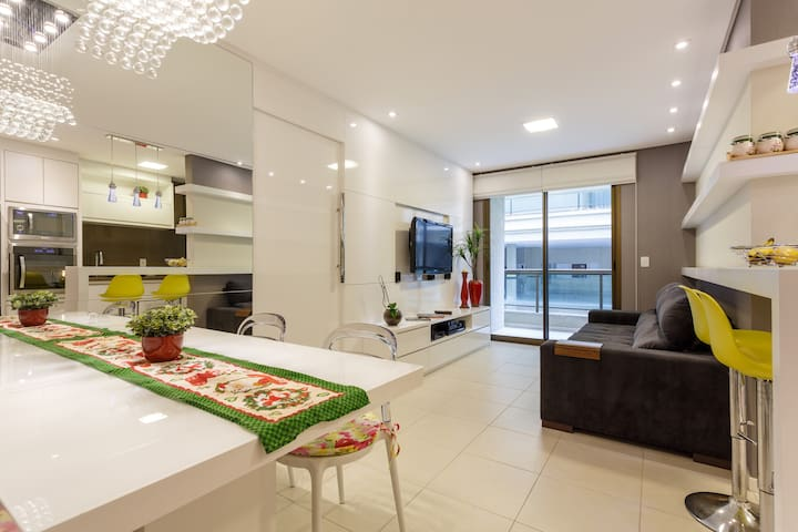 Lovely flat 200m from the ocean - Florianópolis - Wohnung