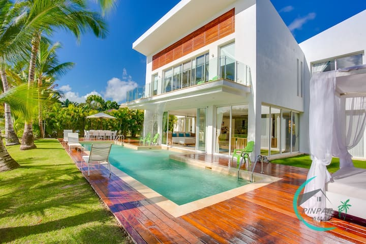 LUXURY VILLA WATERFALL,COCOTAL GOLF, 5BR,MAID,POOL