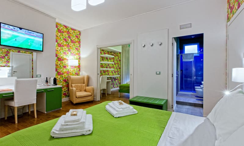 Family with Bathroom in Luxury B&B City Center