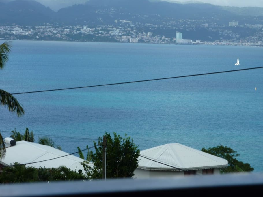 Rent studio 34 m² sea view 3-Ilets