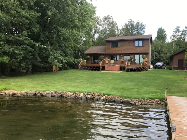 Big Grand Lake Retreat with 2 private rooms. 1 & 2