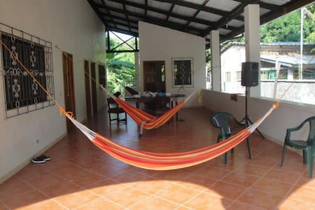 La libertad large 2BR beach house - Huis
