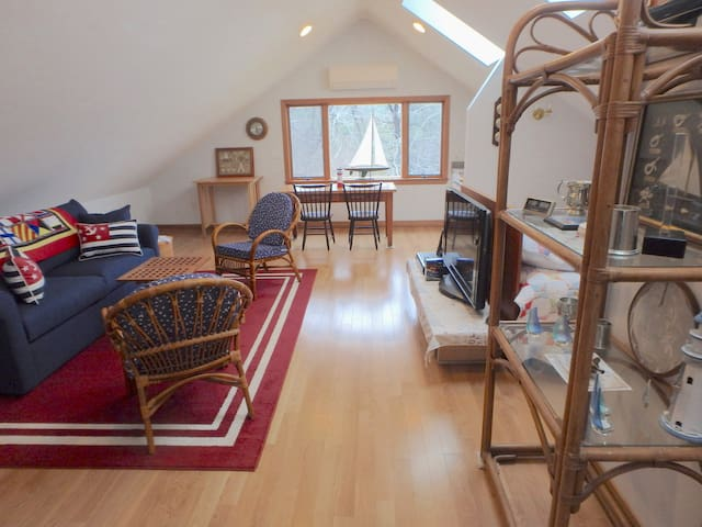 New Studio in Bucolic Berkshire Setting - Great Barrington - Apartamento