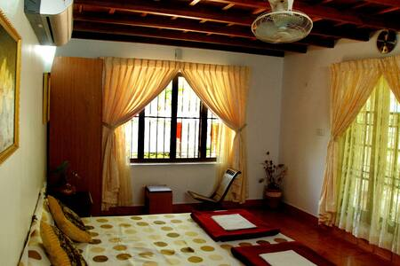 River View Cottage Room, Kochi