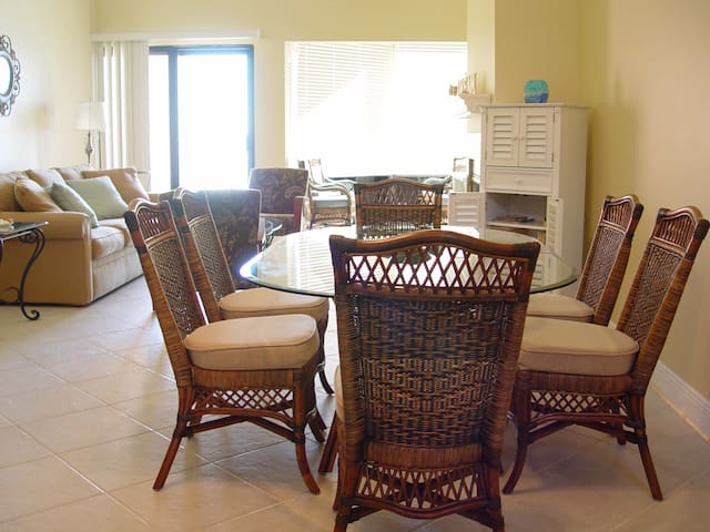 Beautiful  Beachfront Condo - Pensacola Beach - Departamento