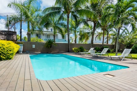Lovely 2-Bedroom with pool,  close to beach