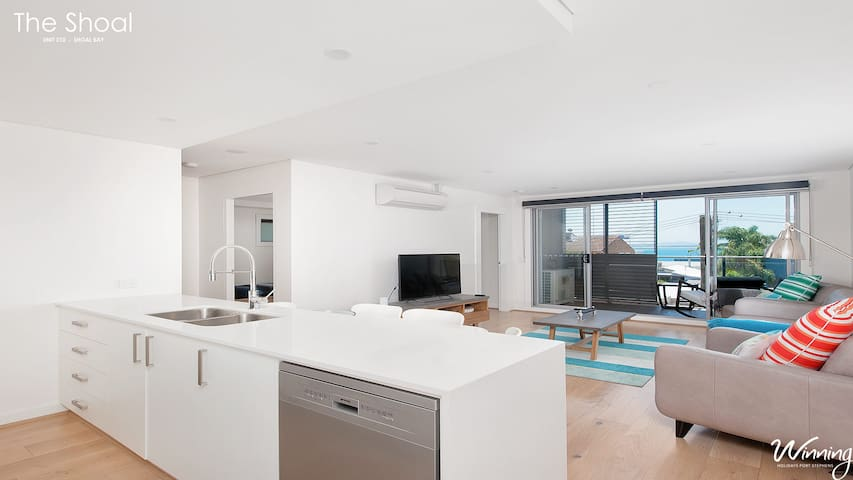 Brand New 2BD apartment a block from the beach - Shoal Bay