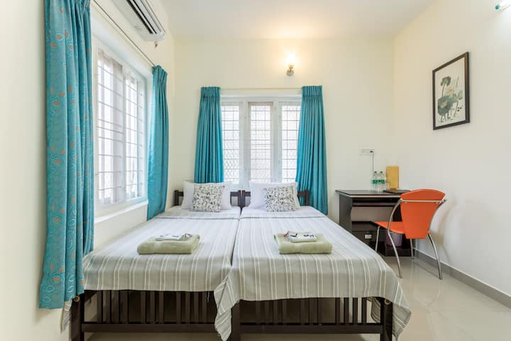 The POD Standard AC Twin Bedroom