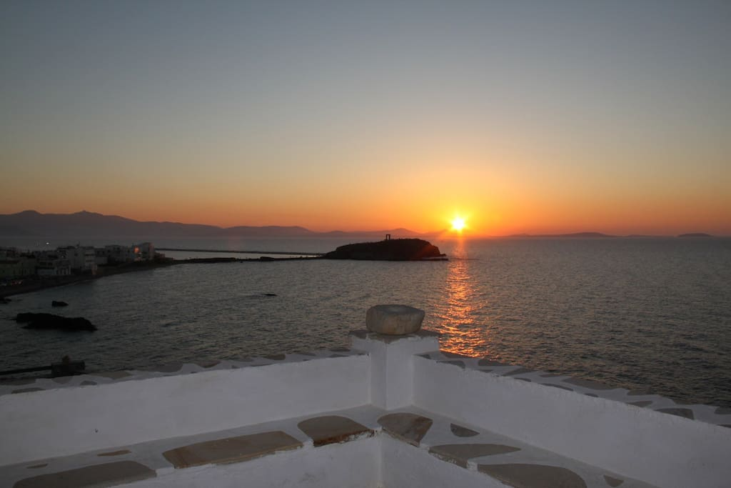 Enjoy amazing sunsets over the temple of Ariadne