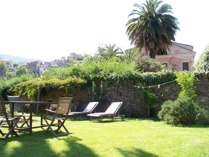 Romantische Wohnung mit tollem Garten, Wifi