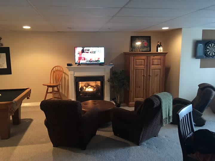 Tims Ford Lake Basement/Apt/Kitchenette/game room.