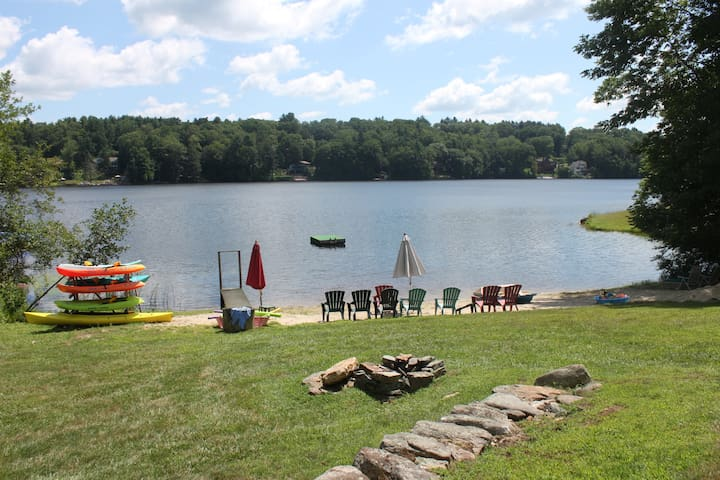 Private lakefront retreat-New to Airbandb