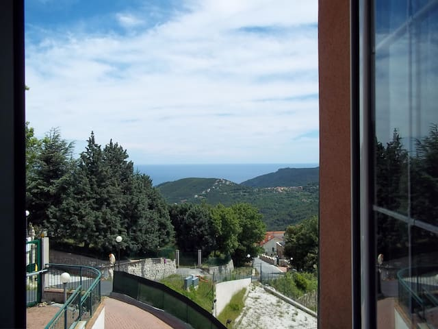 Room & Breakfast  con vista mare - Vezzi Portio