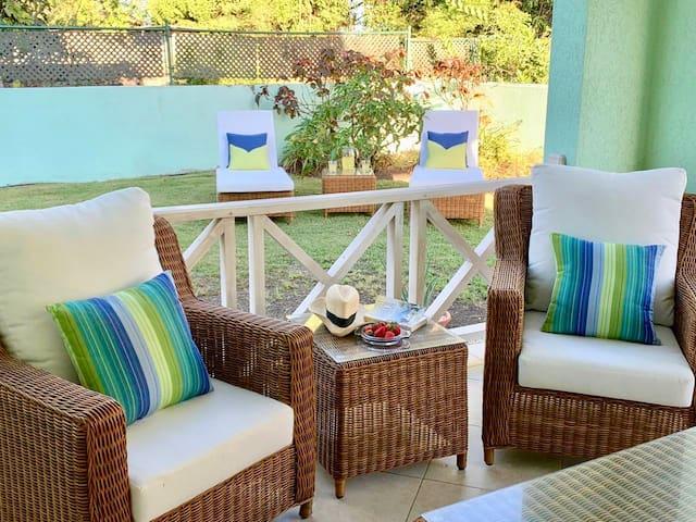 Airy coastal villa near Miami Beach and Surfing
