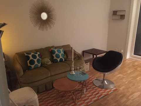 Room for rent in trendy District 4