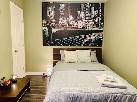 ❂ Stylish New York Inspired Suite + Free Parking ❂