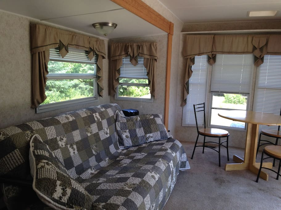 36-ft Park Model Trailer at Warbler's Roost / dining area