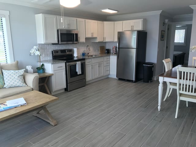 Sailfish Suites 5 - Waterfront Lodging