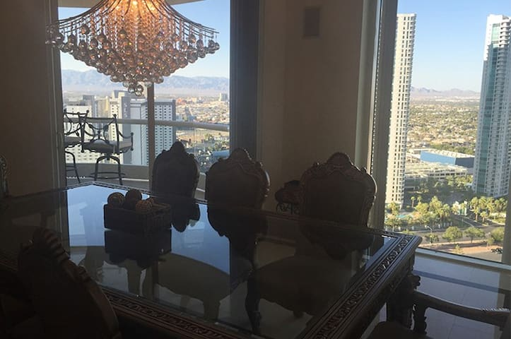 Luxury 3BR Penthouse - Vegas Strip - Las Vegas - House