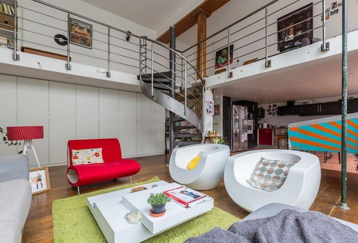Chambre dans un LOFT de 200 M² Sympas