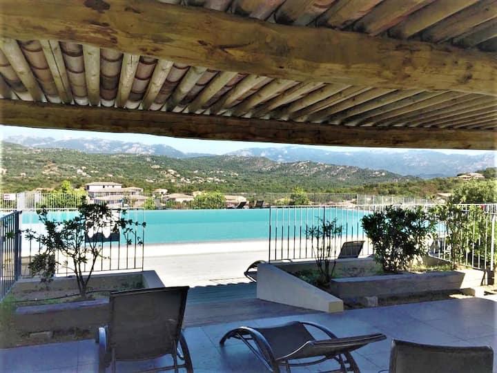 Appartement 2 chambres Sta Giulia piscine chauffée