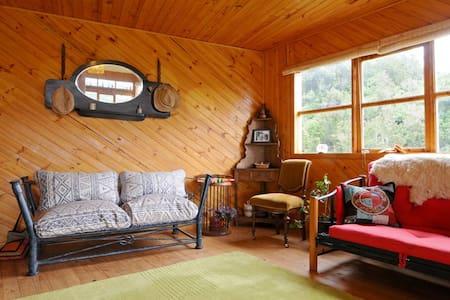 Casa Pindal, encanto de bosque y colibríes, Chiloé - Puqueldón