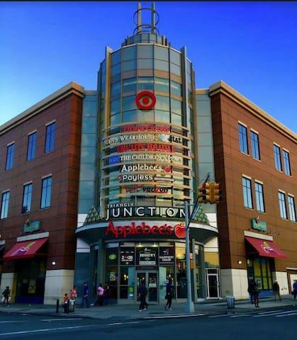 Prime location: abundant stores & transportation!