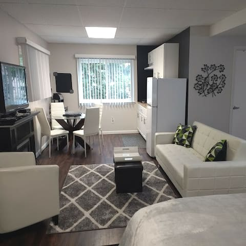 Ardsley Studio with easy access to NYC