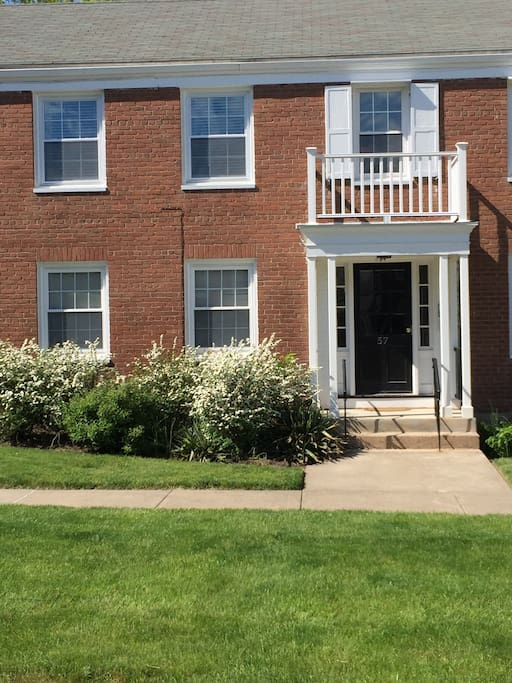 Chic West Hartford Center Apartment Apartments For Rent In West Hartford Connecticut United