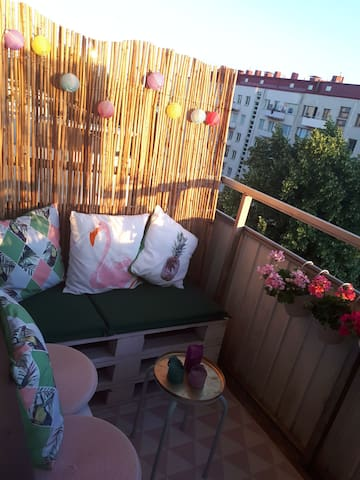 Färgstark lägenhet i Johanneberg!