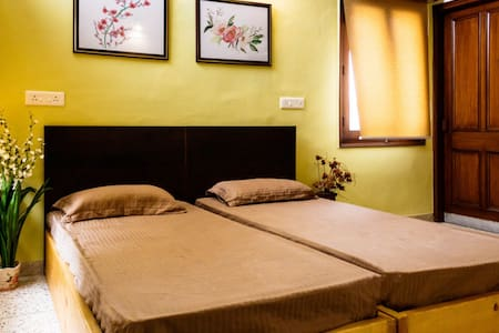 #1 Luxurious & Comfy Room Sector 8 Chandigarh