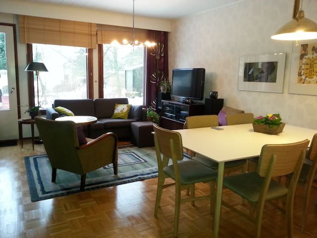 Cosy apartment and own garden - Helsinki - Daire