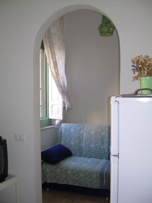 soggiorno/pranzo con divano-letto