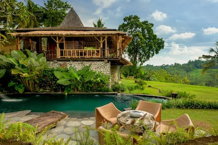 Fabulous Natural Home Stunning view