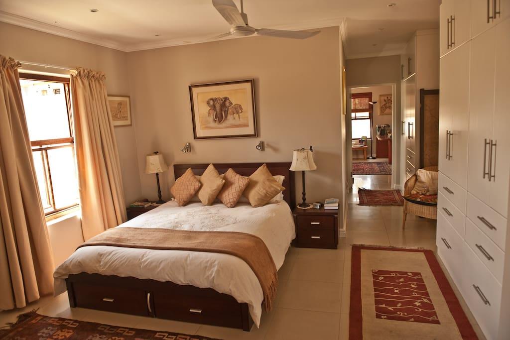 Master bedroom with Queen sized bed and en suite bathroom