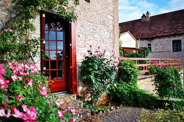 Artist's/writer's retreat - Montcabrier - Penzion (B&B)