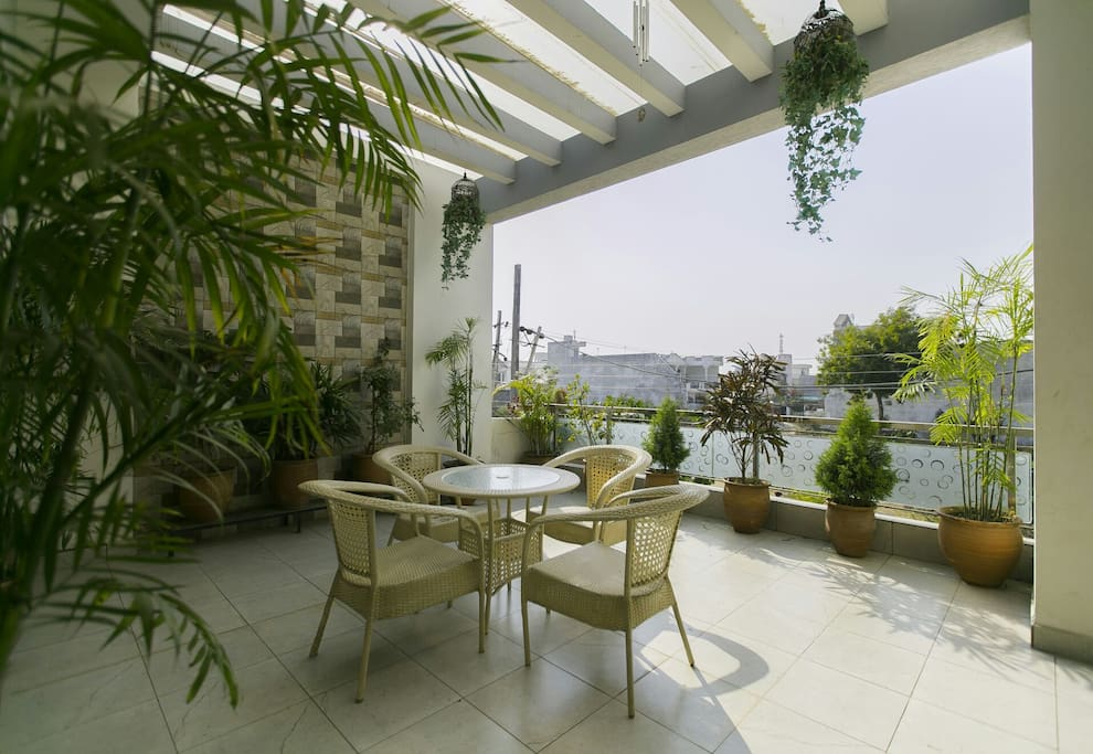 Leafy, spacious and relaxing outdoor patio and balcony area set in quiet and tranquil surroundings.