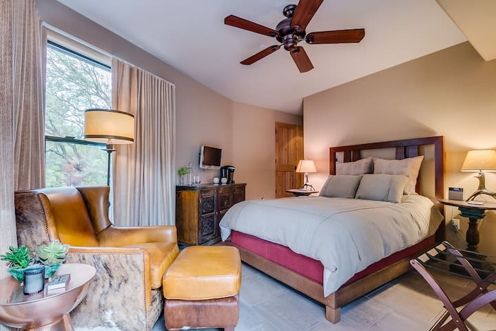 la colibri rouge luxury master suite two houses for rent in sedona arizona united states - Luxury Master Suite